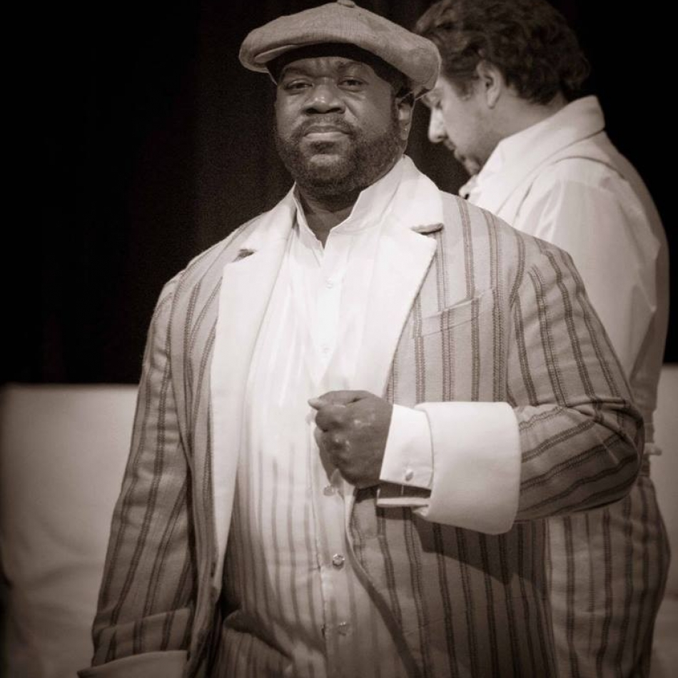 Earl as Commissario AZOPERA TRAVIATA