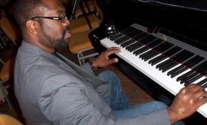 Earl at Piano 2008